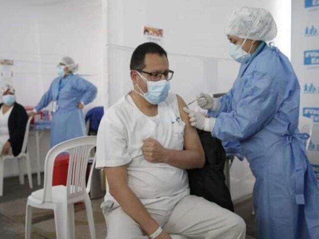Minsa: más de 150 mil médicos ya recibieron su tercera dosis de refuerzo contra la Covid-19