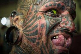 Conozca a 'El Ángel del Infierno', el hombre con más tatuajes en el cuerpo